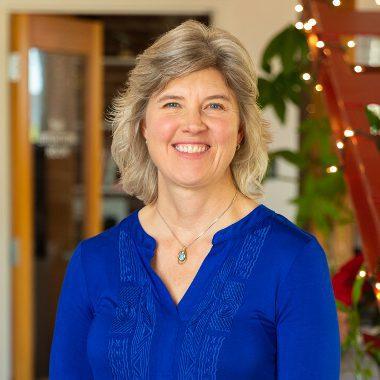 Linda Yach